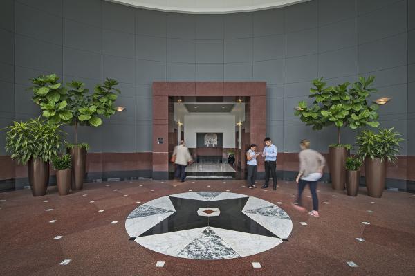 150 West Jefferson, Lobby