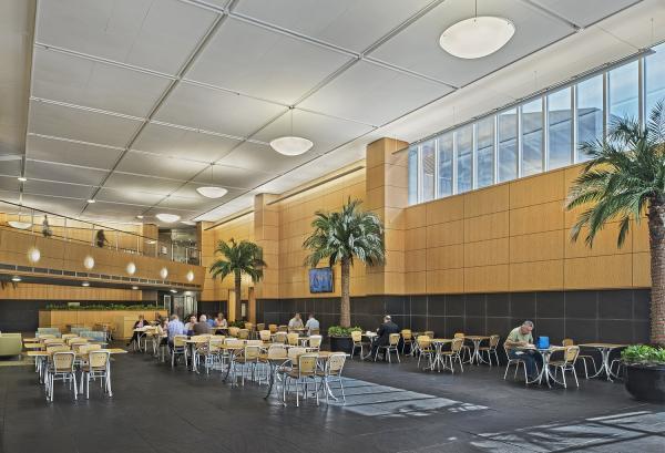 American Center II, Interior