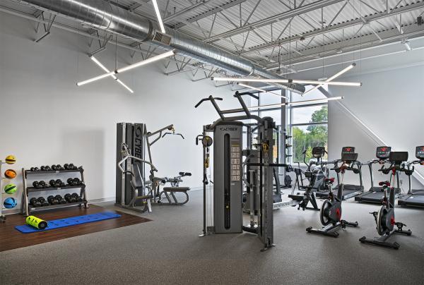 Hella BTS, Fitness Center